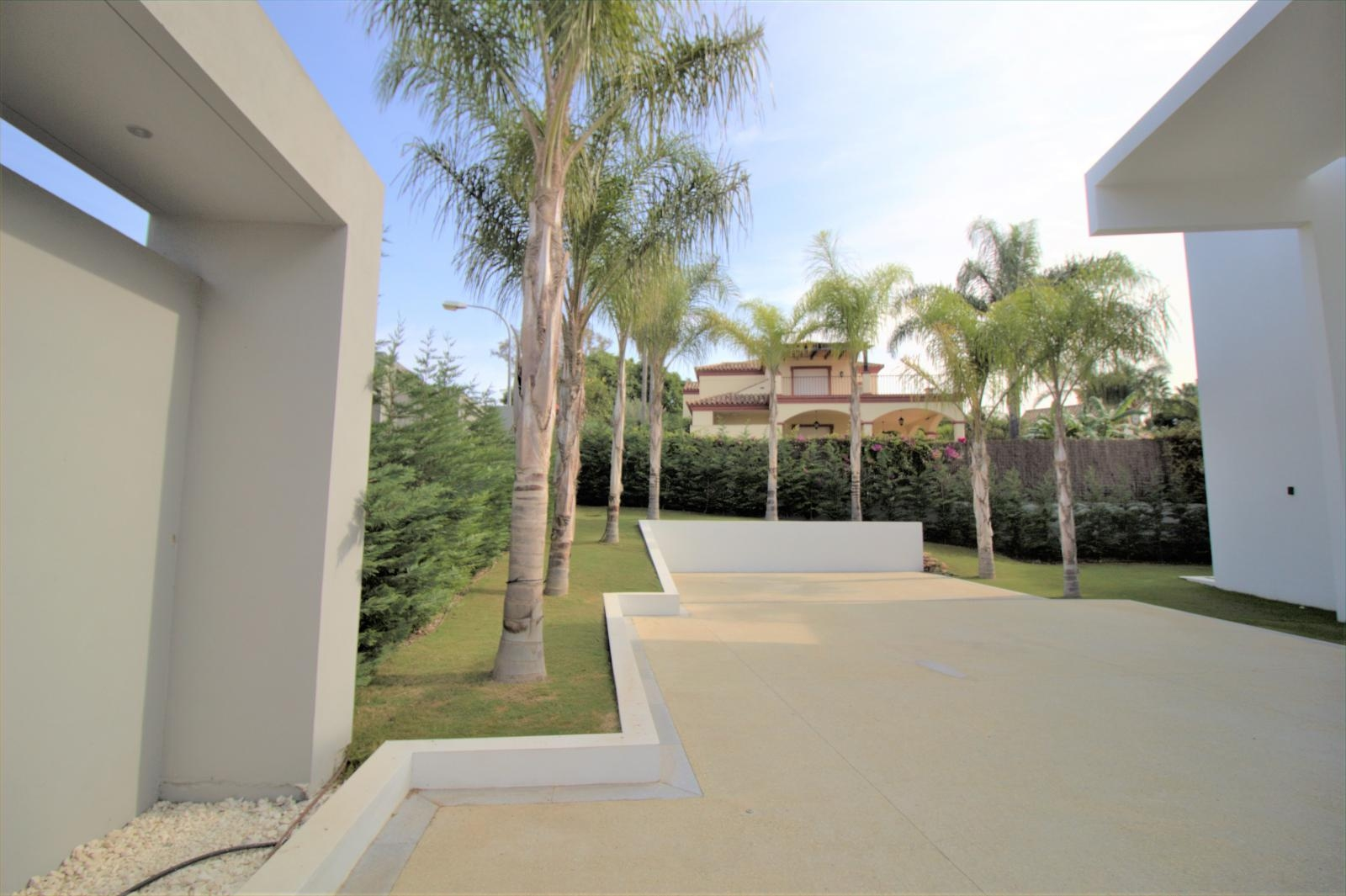 Villa for sale in San Pedro de Alcántara (Marbella)