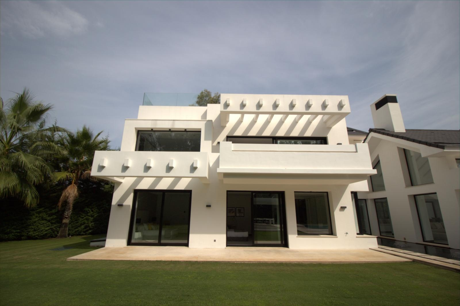 Villa for sale in Guadalmina Baja (Marbella)