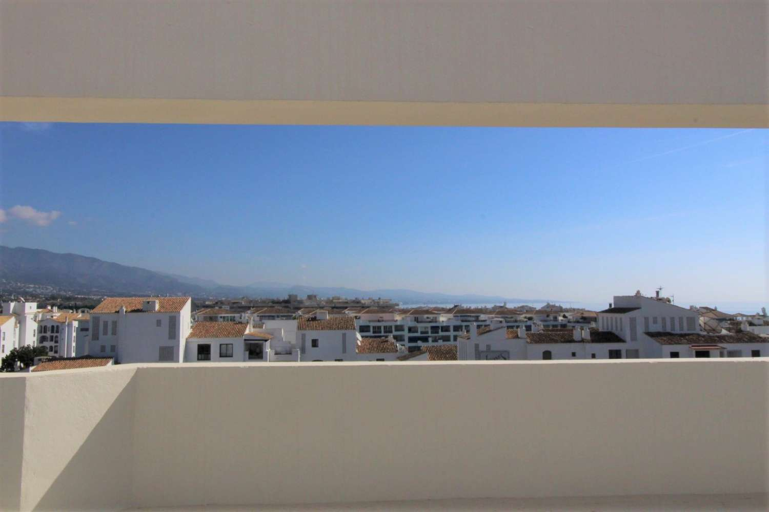 Exclusive Duplex Penthouse in Playas del Duque with 5 bedrooms and 4 bathrooms.